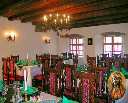 salonul-medieval